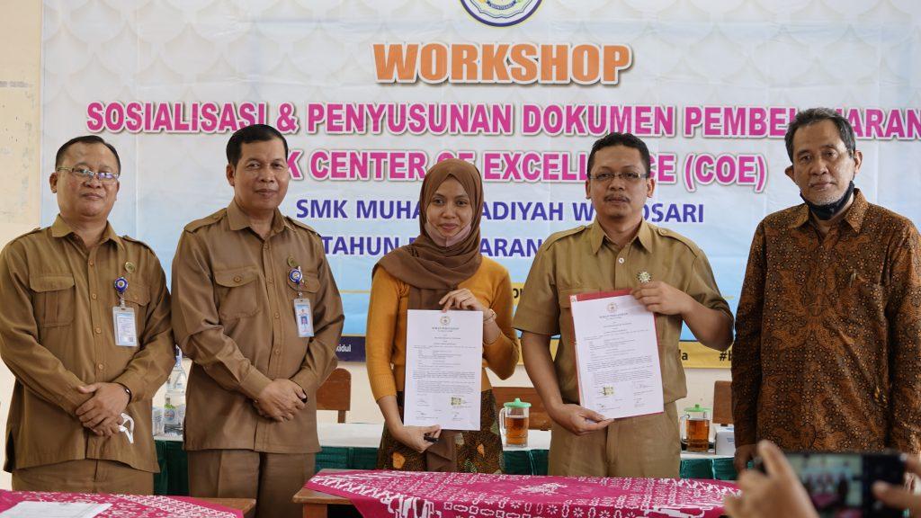 SMK MUHAMMADIYAH WONOSARI MENJADI SMK PUSAT KEUNGGULAN (CENTER OF EXCELLENT) SEKTOR EKONOMI KREATIF